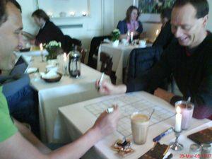Sudoku maxi på cafe